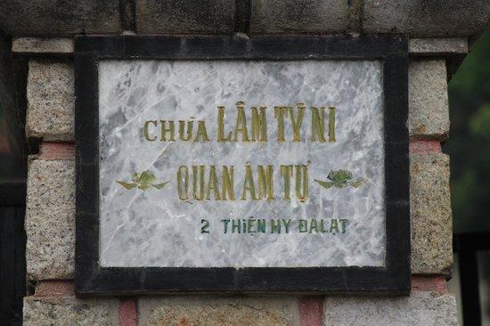 "Lam Ty Ni Pagoda : ""Mad Monk"" Temple"