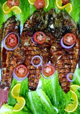 Restaurante del mercado del mar.: PESCADO SARANDEADO