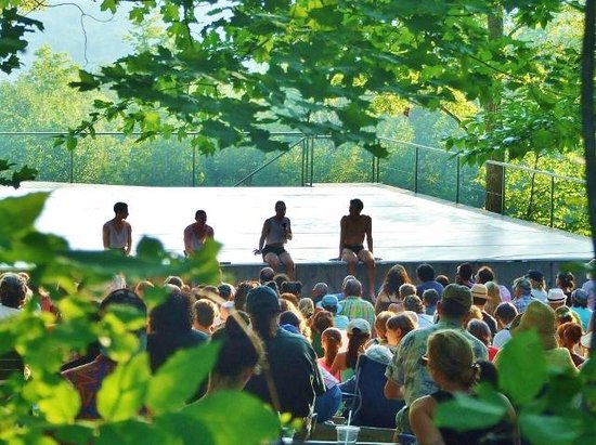 Jacob's Pillow : Outdoor dance stage