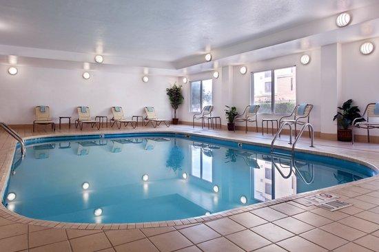 Fairfield Inn & Suites Austin South: Indoor Pool