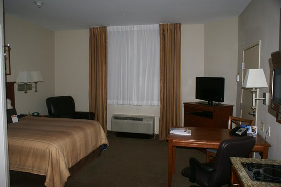 Candlewood Suites El Paso North: Nice bedroom area