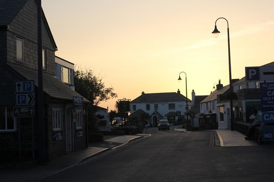 King Arthur's Arms Inn : view down the road from in front of the inn