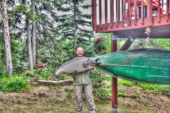 A River's Edge B & B: ...always big Salmon @ River's Edge