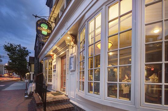 Restaurant Bouchard : 505 Thames Street