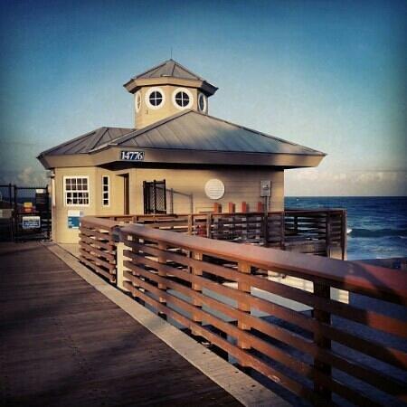 Juno Beach Pier : Juno Pier. July 2013
