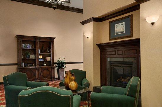 Homewood Suites Yuma: Lobby