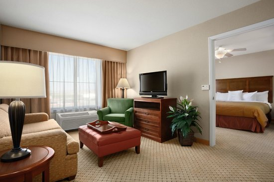 Homewood Suites Yuma: King Suite