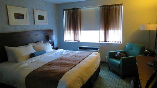 Rodd Moncton Hotel : bed