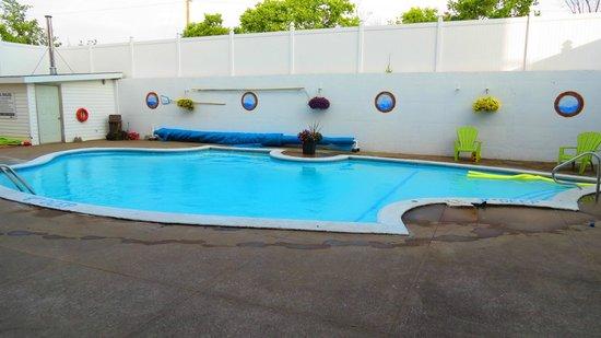 Rodd Moncton Hotel : pool