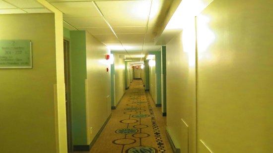 Rodd Moncton Hotel : hallway