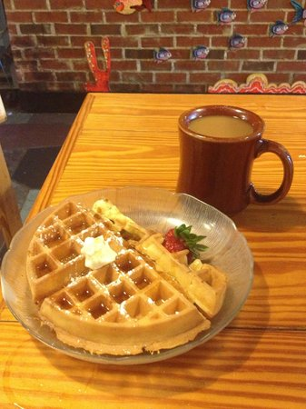 Sandcastle Cafe & Grill: Made to order Waffles with the Breakfast Buffet