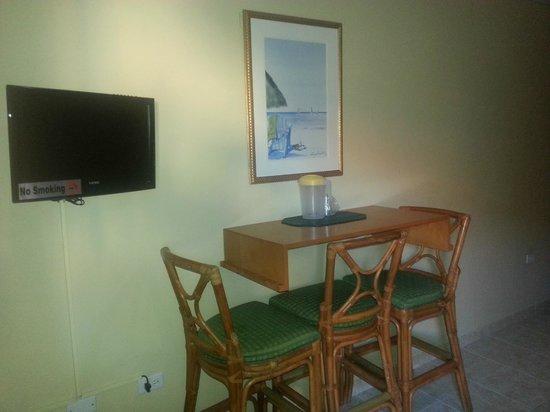 Malibu Hotel Aruba: Room's Dining Area