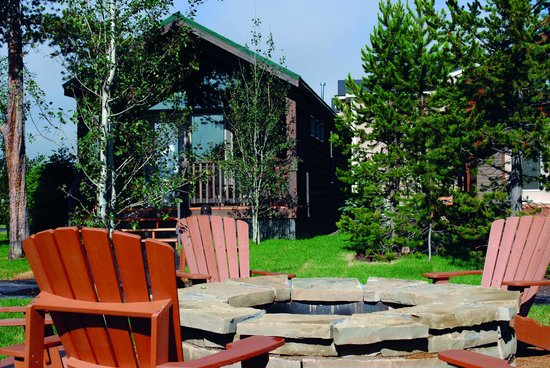 Explorer cabins at yellowstone updated 2017 hotel for Yellowstone cabins west yellowstone