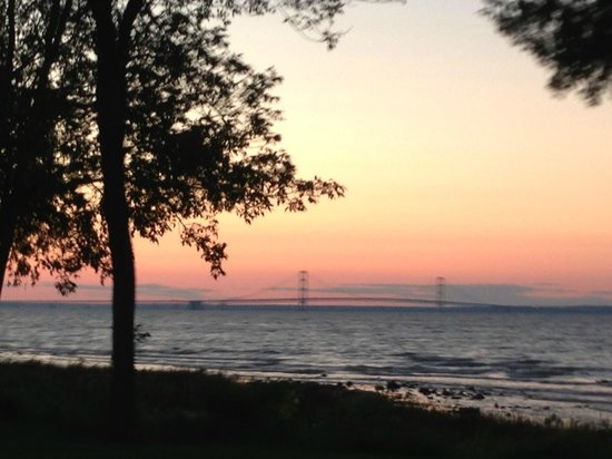Mackinaw Mill Creek Campground: Sunset