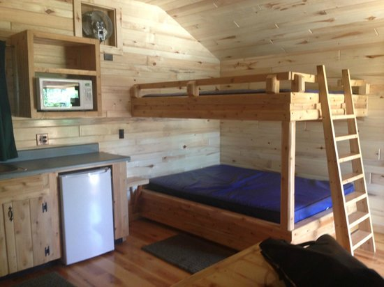 Full Size Bunk Beds In Medium Cabin Picture Of Mackinaw