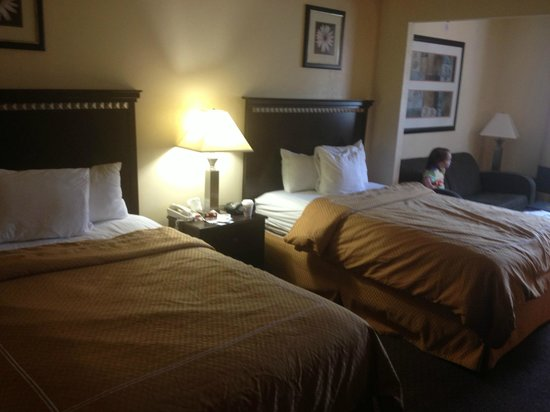 The Norwich Hotel: comfy queen beds