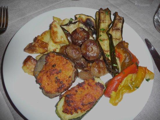 Ristorante Pizzeria Il Tempo: Vegetarian delights from the tavola calda, Il Tempo