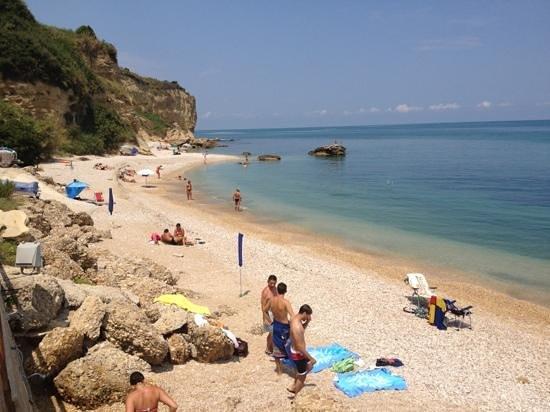 Matrimonio Spiaggia Ortona : Spiaggia del camping foto di village ripari