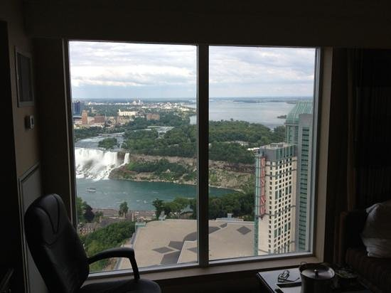 Hilton Niagara Falls/Fallsview Hotel & Suites: view from room 4254 n.tower
