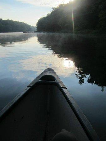 Carmel Cove Inn at Deep Creek Lake: Canoeing at Carmel Cove Inn-- on Deep Creek Lake