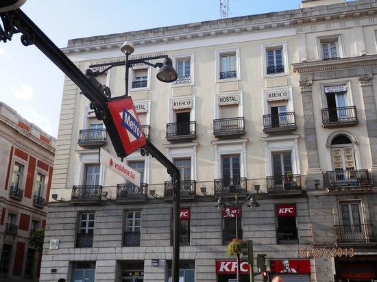 Hostal Riesco Puerta del Sol: Foto desde puerta del sol
