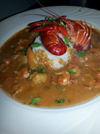 The Black Pearl Surf & Turf Grill: etouffee