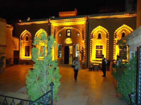Erdoba Evleri : gece görünümü