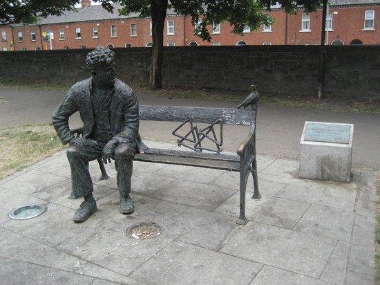 Brendan Behan Sculpture: Peaceful setting