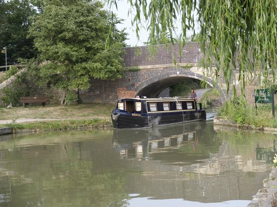The Barge Inn: Scenic