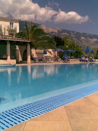 Trapezaki Bay Hotel: Super, spotless pool