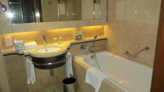 Shangri-La Hotel Kuala Lumpur: Bano