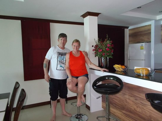 Emerald Bar and Restaurant: really nice apartment