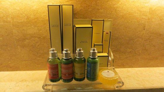 Shangri-La Hotel Kuala Lumpur: Productos Occitani