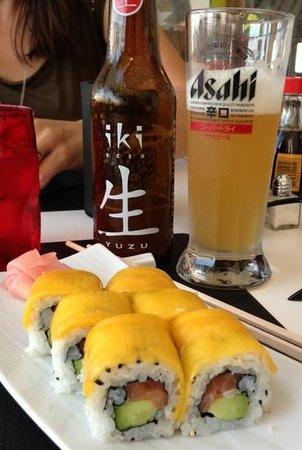 Umami : California Rolls with Tuna & Mango