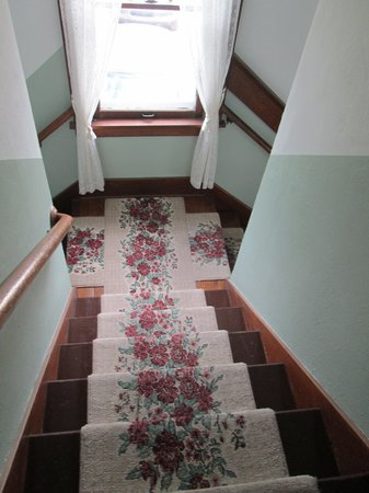 Triangle Ranch Bed & Breakfast: the stairs down to the main level