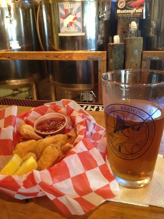Port Aransas Brewing Company: Beer battered shrimp and a Island pale ale