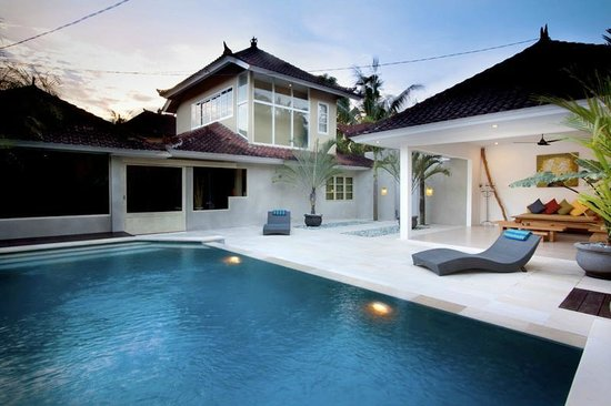 Villa Bunga Kecil: Outdoor View one