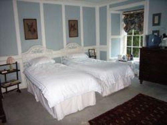 Fyfield Manor: Blue Room