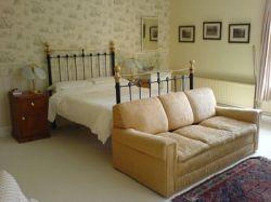 Fyfield Manor: Gorgeous bedroom