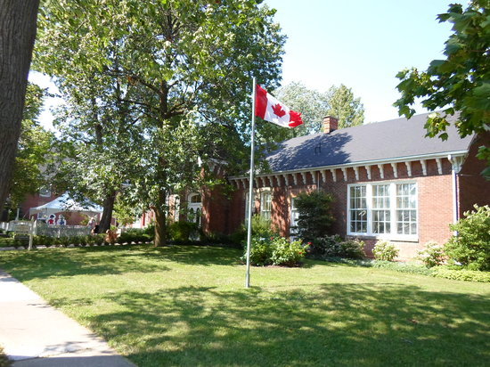 Niagara Historical Society & Museum: Niagara Historical Society and Museum