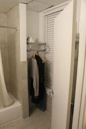District Hotel Washington: bathroom