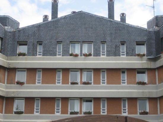 Hotel Montarto: VISTA PARCIAL DEL HOTEL