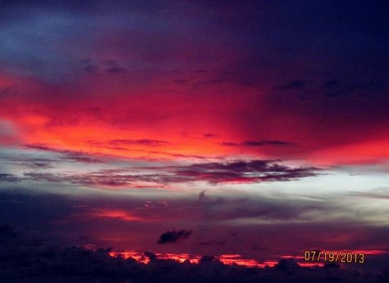 Tropical Winds Motel & Cottages : The sunsets were amazing!