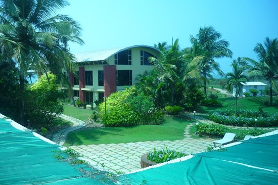 The Beach House: view from room to main building