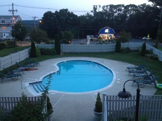 Arbor Inn Motel: beautiful pool