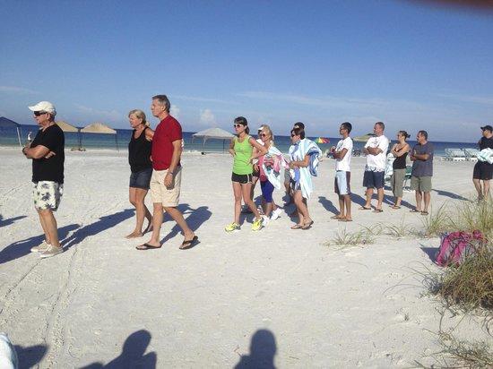 Siesta Dunes Beach Condominiums : line for beach chairs