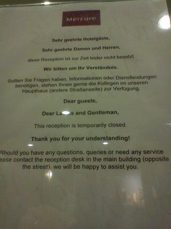 Mercure Hotel & Residenz Frankfurt Messe: sem recepção!!!