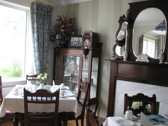 Ardawn House: The lovely dining room