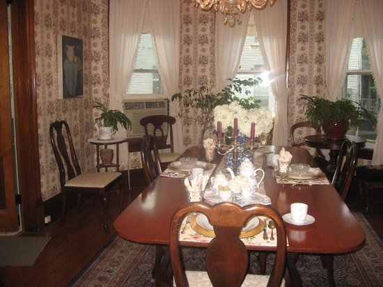 Main Street Bed and Breakfast: Dining Room/Breakfast