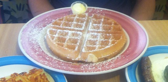 Rick's Restaurant & Bakery: Belgian waffle